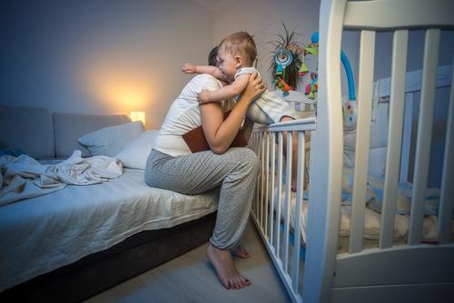 sommeil-bebe-7-mois-reveil-nocturne